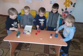 Юные лаборанты во второй младшей группе